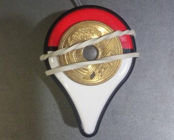 ポケモンGO Plusを輪ゴムと固定できるもので自動化させる